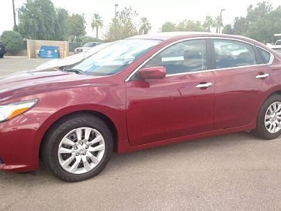 Photo 1:  2016 Nissan Altima S in Yuma, AZ exterior view from front driver's side
