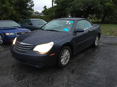 Photo 1:  2008 Chrysler Sebring Touring in Hallandale, FL exterior view from front driver's side