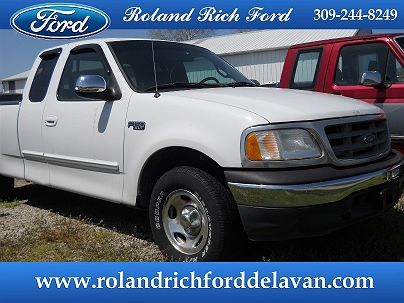 Photo 1: Oxford White 2003 Ford F-150 XLT in Delavan, IL
