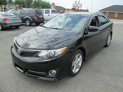 Photo 1:  2013 Toyota Camry SE in Muscle Shoals, AL