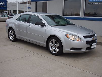 Photo 1: Silver Ice Metallic 2010 Chevrolet Malibu LS in Triadelphia, WV