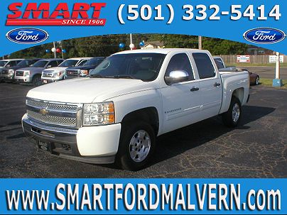 Photo 1: Summit White 2009 Chevrolet Silverado 1500 LT in Malvern, AR exterior view from front driver's side