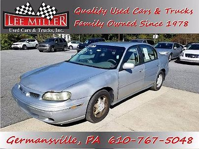 Photo 1:  1999 Oldsmobile Cutlass GL in Germansville, PA front view of grill, headlights, hood and windshield