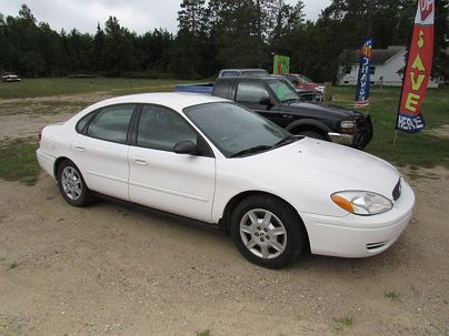 Photo 1: Vibrant White Clear Coat 2006 Ford Taurus SE in Bemidji, MN
