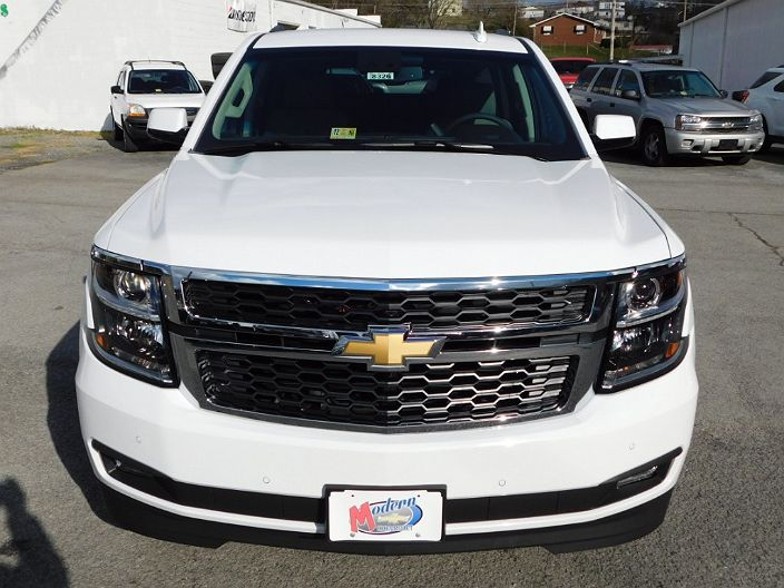 Photo 5: White 2017 Chevrolet Tahoe In Honaker VA Front View Of Grill,  Headlights