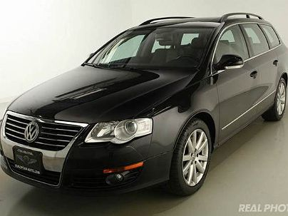 Photo 1:  2007 Volkswagen Passat in Westchester, IL