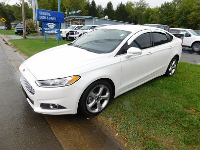 Photo 1:  2015 Ford Fusion SE in Gowanda, NY exterior view from front driver's side