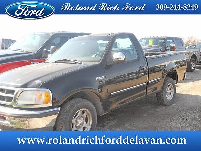 Photo 1:  1998 Ford F-150 XLT in Delavan, IL exterior view from front driver's side