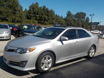 Photo 1:  2013 Toyota Camry SE in Lexington, SC exterior view of passenger side