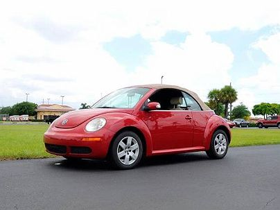 Photo 1:  2007 Volkswagen New Beetle in Hallandale, FL exterior view from front driver's side