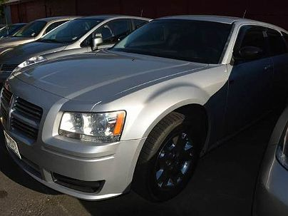 Photo 1:  2008 Dodge Magnum in Seattle, WA exterior view from front driver's side
