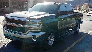 Photo 1:  2016 Chevrolet Silverado 1500 in  exterior view from front driver's side
