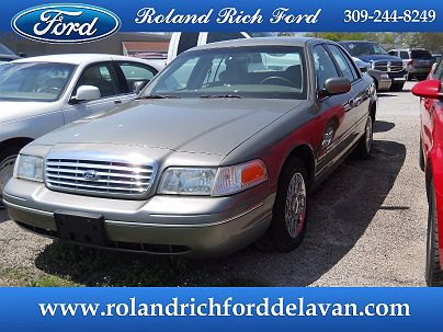 Photo 1: Arizona Beige Metallic 2003 Ford Crown Victoria Standard in Delavan, IL exterior view from front driver's side