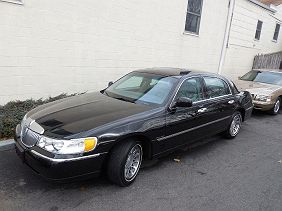 2002 Lincoln Town Car In Pound Ridge Ny 1lnhm82w02y626607