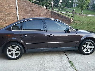 Photo 1:  2004 Volkswagen Passat GLX in Fairburn, GA exterior view of passenger side