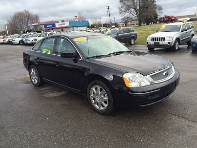 Photo 1:  2007 Ford Five Hundred SEL in Chesaning, MI exterior view of driver's side