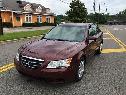 Photo 1: Maroon 2009 Hyundai Sonata GLS in Moody, AL exterior view from front driver's side