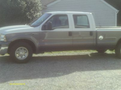 Photo 1:  2004 Ford F-250 XL in Hayes, VA