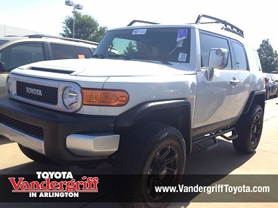 Photo 1: Iceberg 2013 Toyota FJ Cruiser in Arlington, TX exterior view from front driver's side