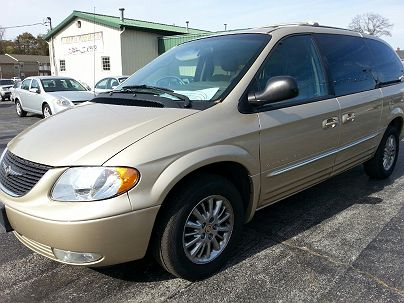 Photo 1: Champagne 2001 Chrysler Town & Country Limited Edition in Crystal City, MO exterior view of driver's side