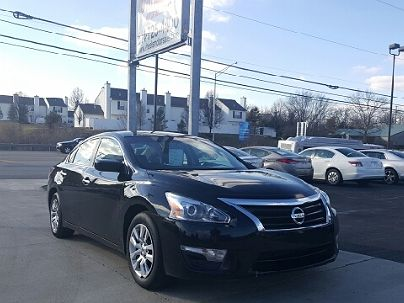Photo 1:  2014 Nissan Altima S in Columbus, OH